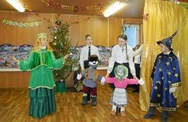 В храме Святого праведного воина Феодора Ушакова прошел детский Рождественский праздник и ярмарка